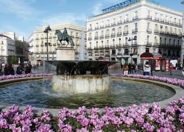 Puerta del Sol, ´km 0´in Madrid